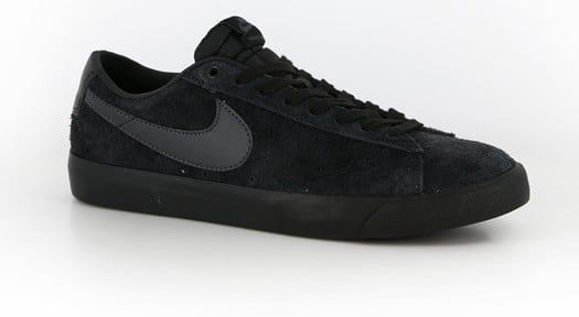 nike blazer low all black