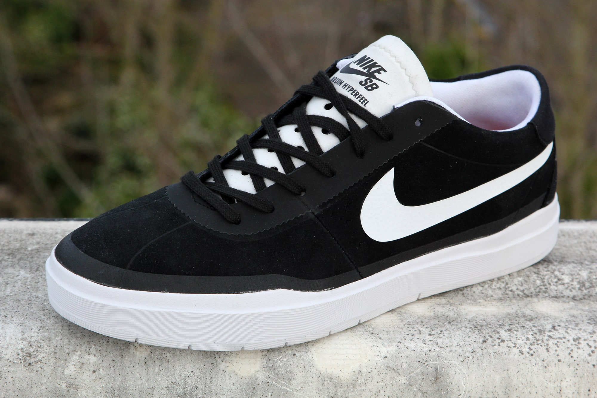 Nike Bruin SB HyperFeel Black White Shoes