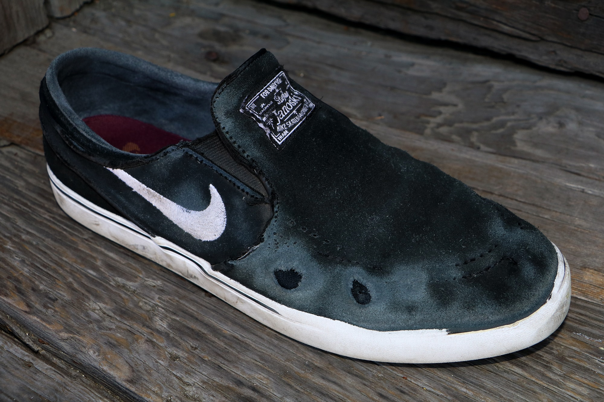Pólvora Esperar algo dos  Nike SB Janoski Slip Skate Shoes Wear Test Review | Tactics