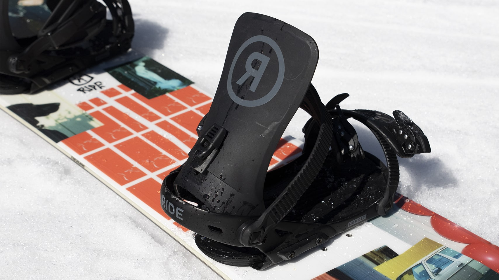 how to set up a snowboard mounting bindings stance. Black Bedroom Furniture Sets. Home Design Ideas