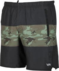 RVCA Yogger Stretch Shorts - green camo/black